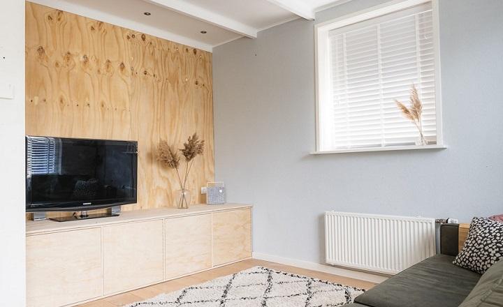 cuarto-de-estar-con-techo-blanco