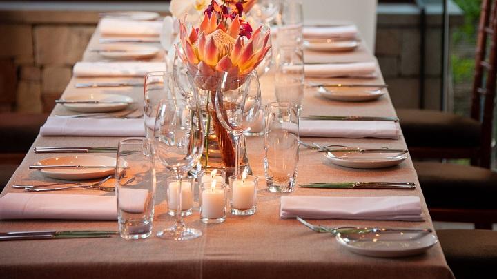 decoracion-de-mesa-con-velas
