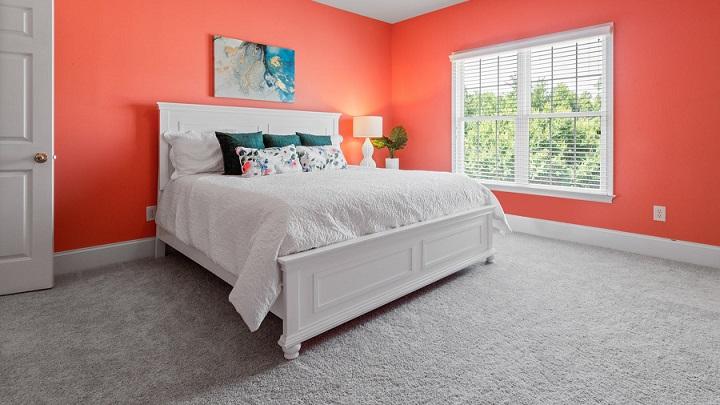 dormitorio-con-decoracion-llamativa