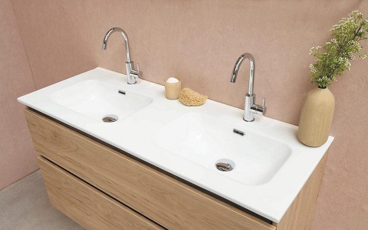 lavabo-doble-con-mueble-de-madera