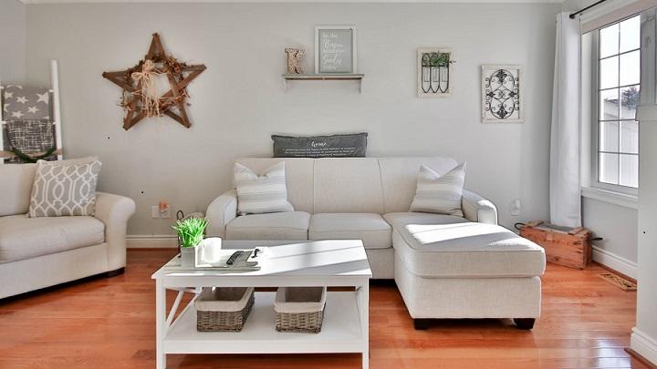 salon-en-blanco-gris-y-madera