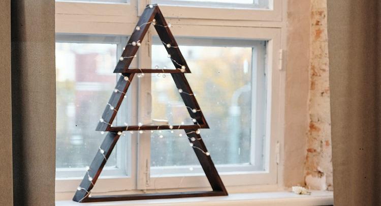 arbol-de-navidad-en-la-ventana