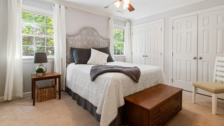 decoracion-de-dormitorio-con-mucha-luz