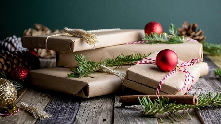 envolver-regalos-con-papel-kraft