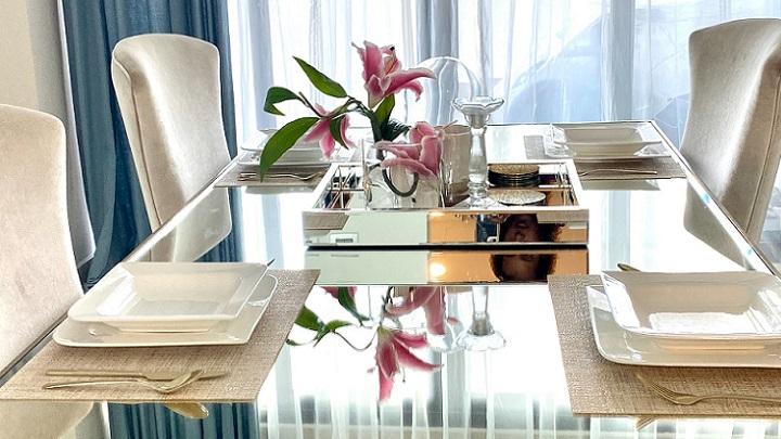 mesa-de-comedor-de-cristal