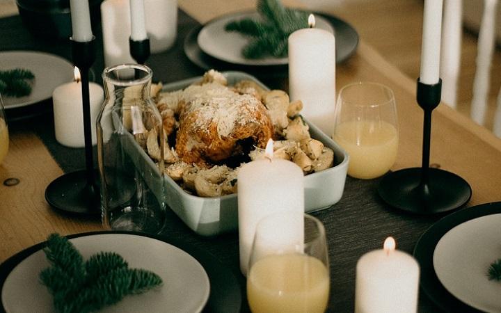mesa-de-navidad-con-velas