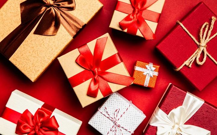 regalos-decorados-con-un-lazo