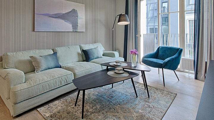 salon-decorado-en-azul