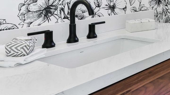 bonito-mueble-de-lavabo-de-madera