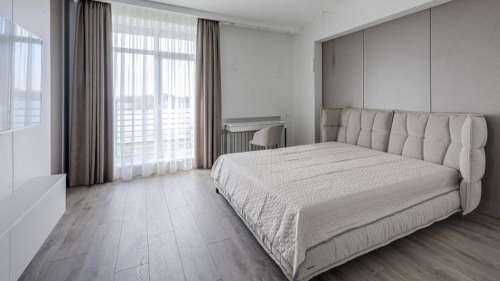 cama-de-matrimonio-en-dormitorio