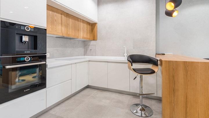 cocina-de-color-blanco-y-madera