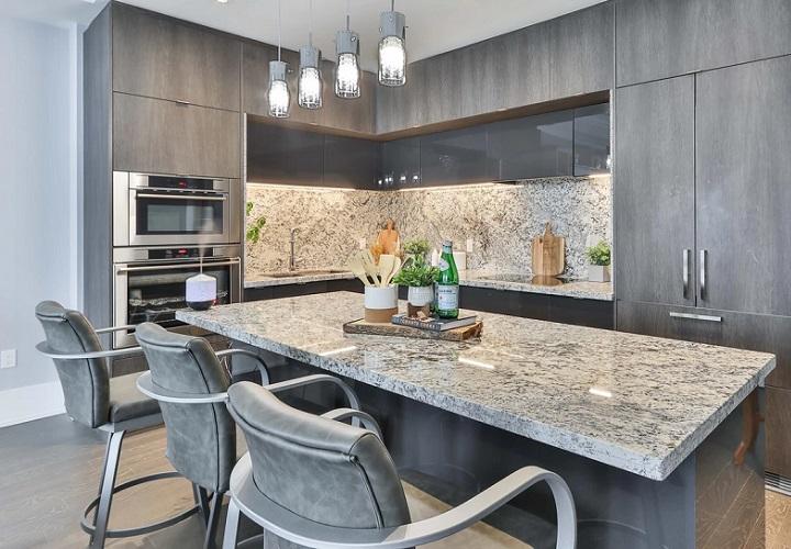 cocina-decorada-en-gris