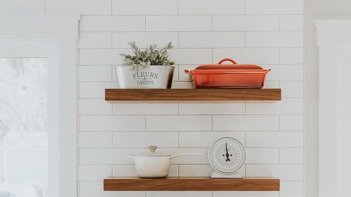 estantes-abiertos-en-la-cocina