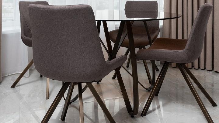 mesa-de-comedor-de-color-negro