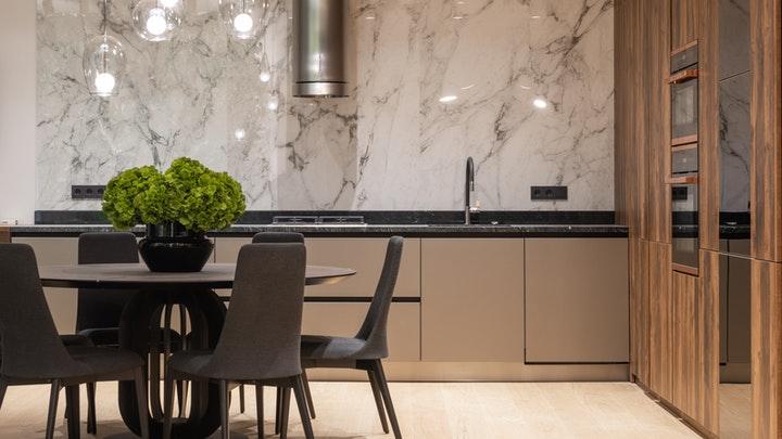 mesa-de-la-cocina-de-color-negro