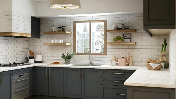 cocina-bonita-con-estantes-abiertos