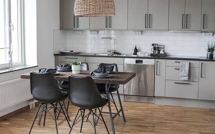 suelo-de-madera-en-cocina