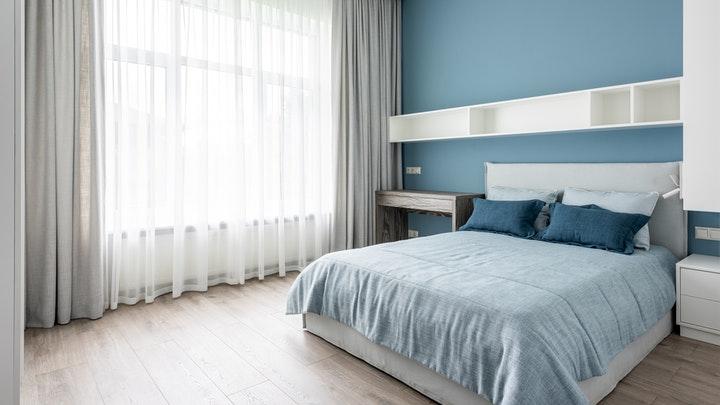 pared-azul-en-cuarto