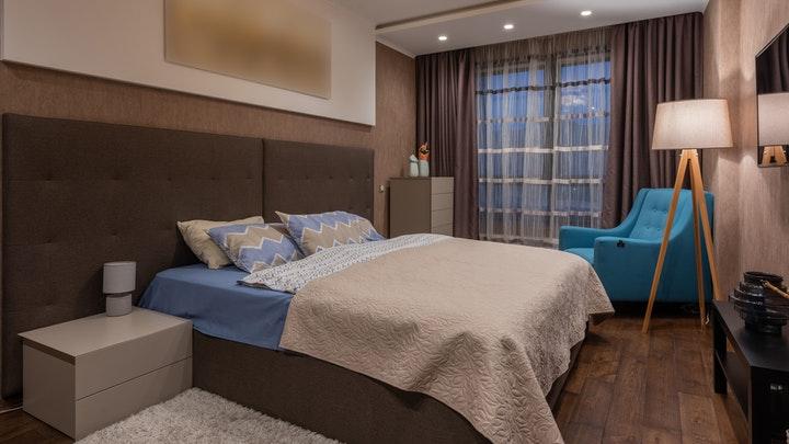 cama-y-piezas-de-dormitorio