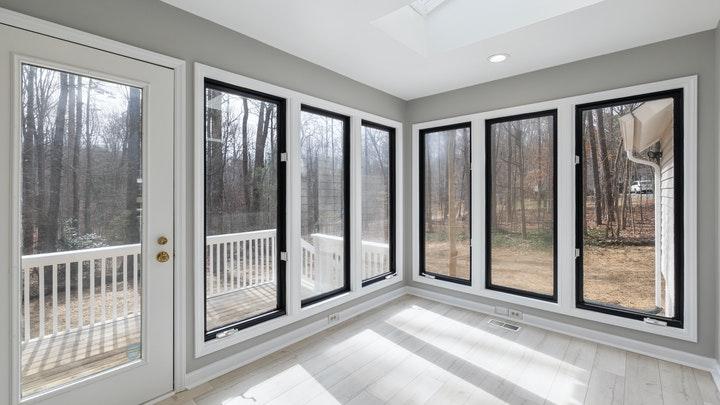 zona-con-grandes-ventanales