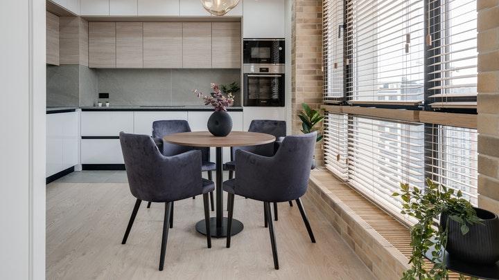 mesa-redonda-en-cocina-pequena