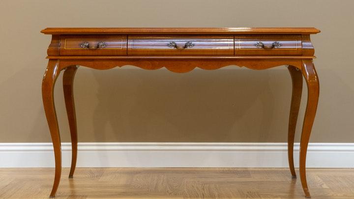 mueble-muy-antiguo