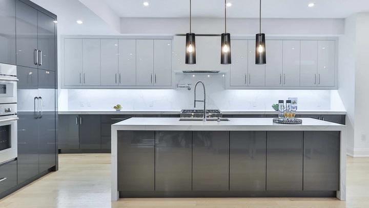 cocina-en-colores-gris-y-blanco