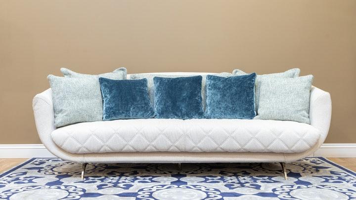 sofa-en-blanco