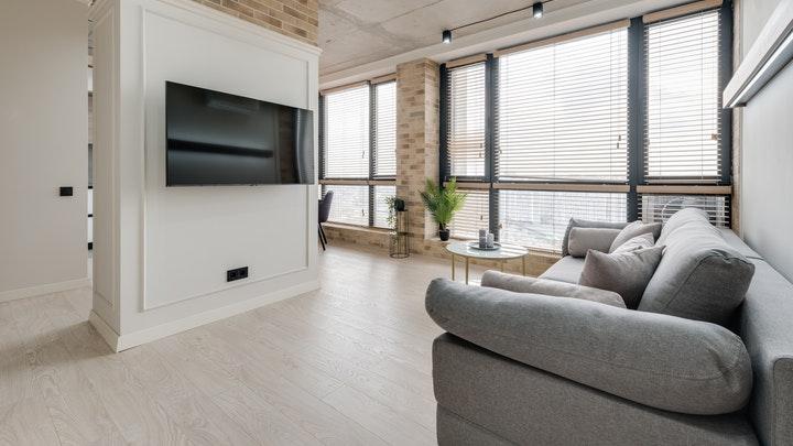 sofa-grande-de-color-gris
