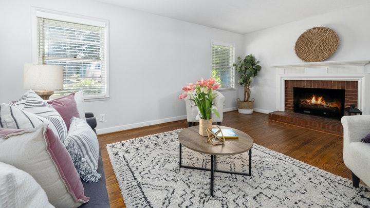 sofa-y-butacas-con-alfombra