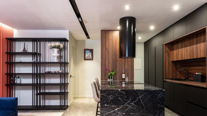 decoracion-de-cocina-en-tonos-oscuros