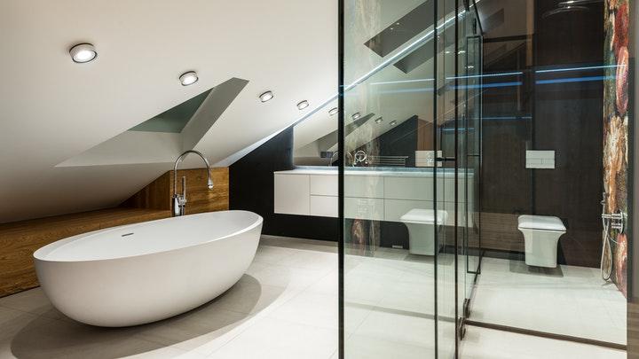 bano-con-espacios-diferenciados