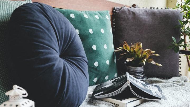 manta-de-sofa-en-gris