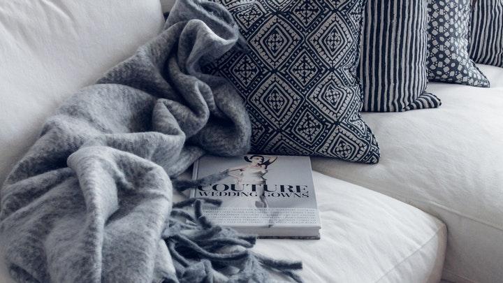 manta-de-sofa-gris