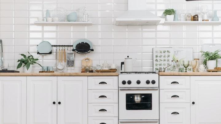 cocina-blanca-con-tiradores-redondos